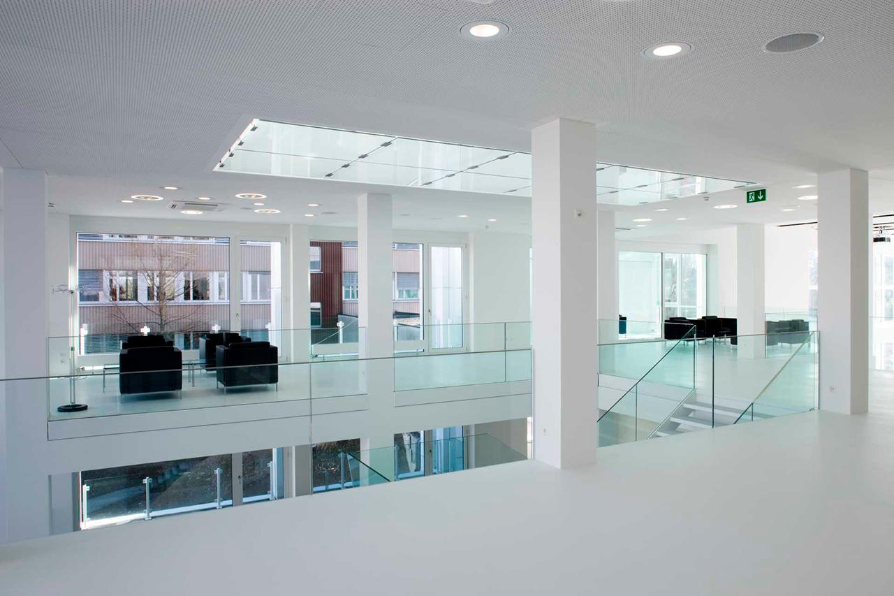 Reformas integrales naves industriales y oficinas en barcelona for Diseno oficinas industriales